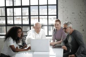 איך לכתוב תוכנית עסקית למשקיעים